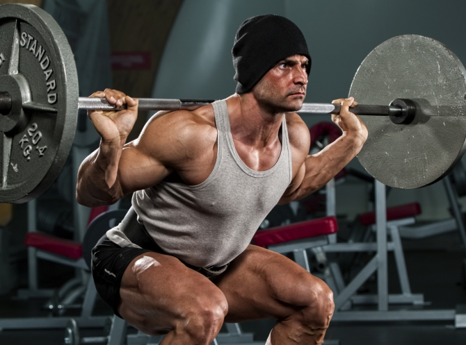 Barbell-squats lift heavy weights